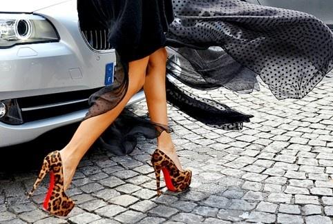Image via Lolita Abraham Fashion