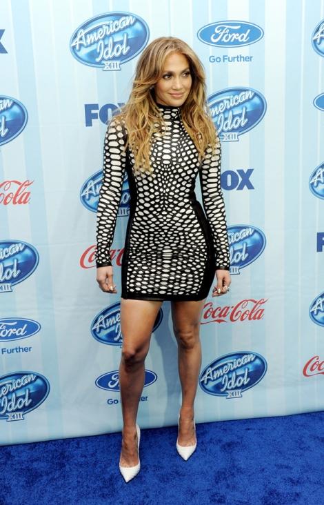 Jennifer-Lopez-American-Idol-XIII-Premiere-Tom-Ford-Spring-2013