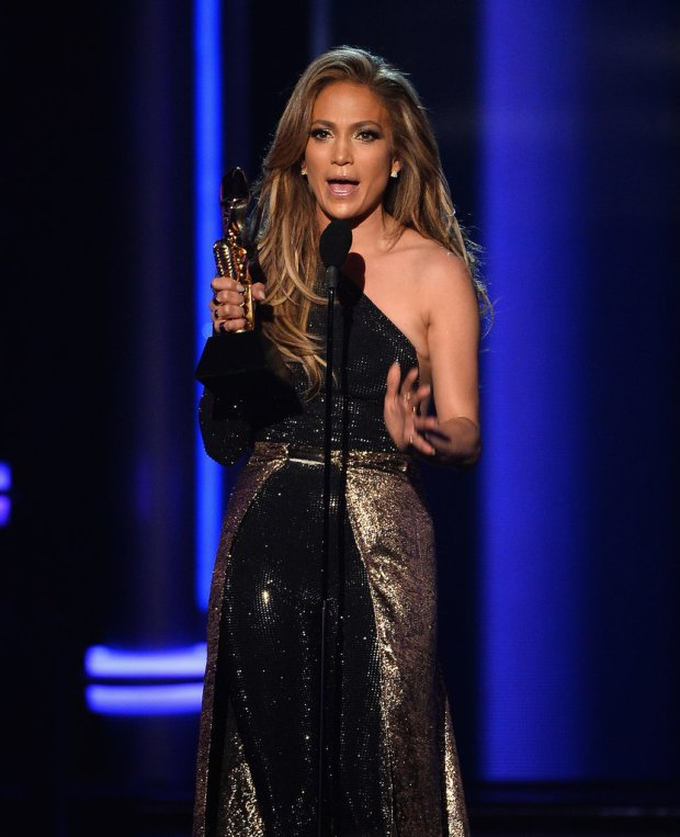 Jennifer-Lopez-Billboard-Music-Awards-2014 (1)