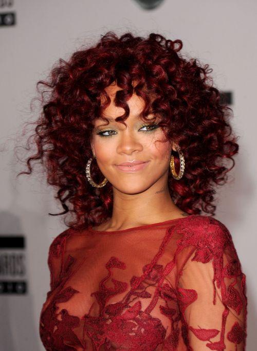 Rihanna + Curly Hair