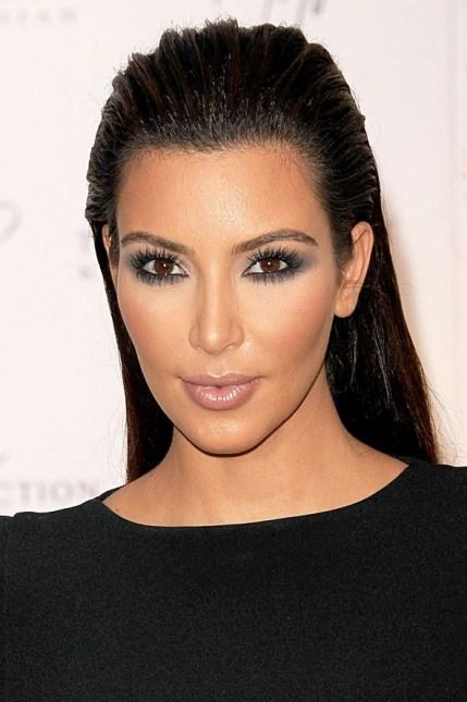 Kim-kardashian_glamour_15mar14_rex_b_592x888