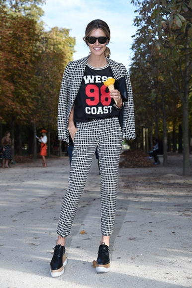 Paris Fashion Week Womenswear Spring/Summer 2015 - Street Style