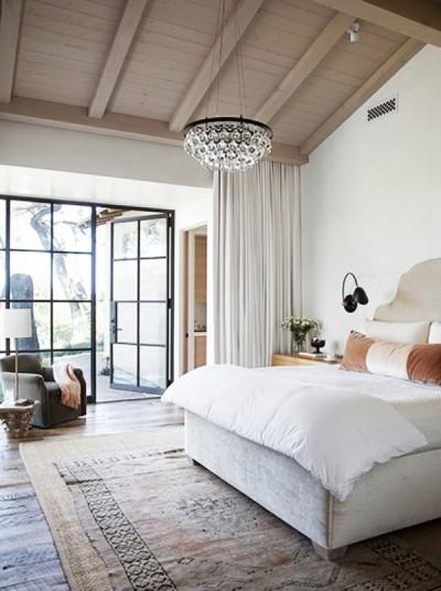 thumbnail_layering-rugs-turkish-over-jute-bedroom-by-elizabeth-stanley-via-domaine